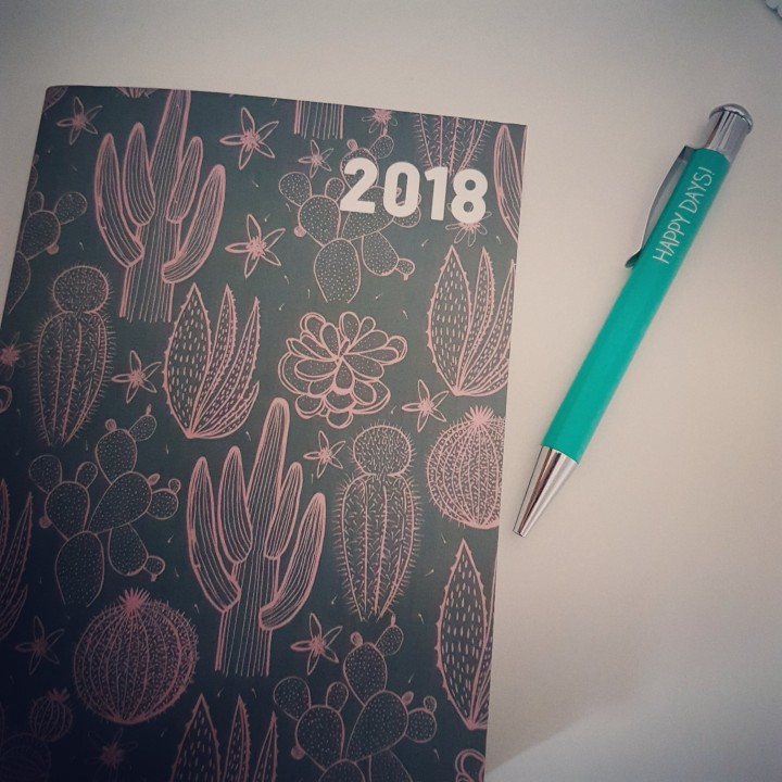 2018 diary and pen on a table
